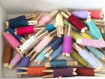 yarn pegs box
